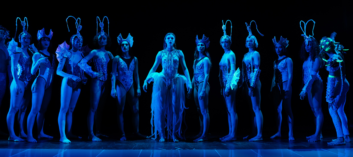 Spectacle au Paradis Latin Cabaret