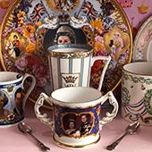 Mugs à thé vintage avec La reine d'Angleterre Elisabeth 2