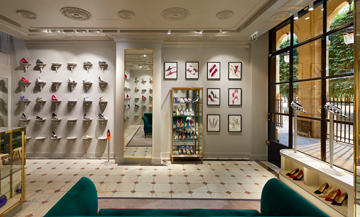 Scoop! Manolo Blahnik opens in Paris