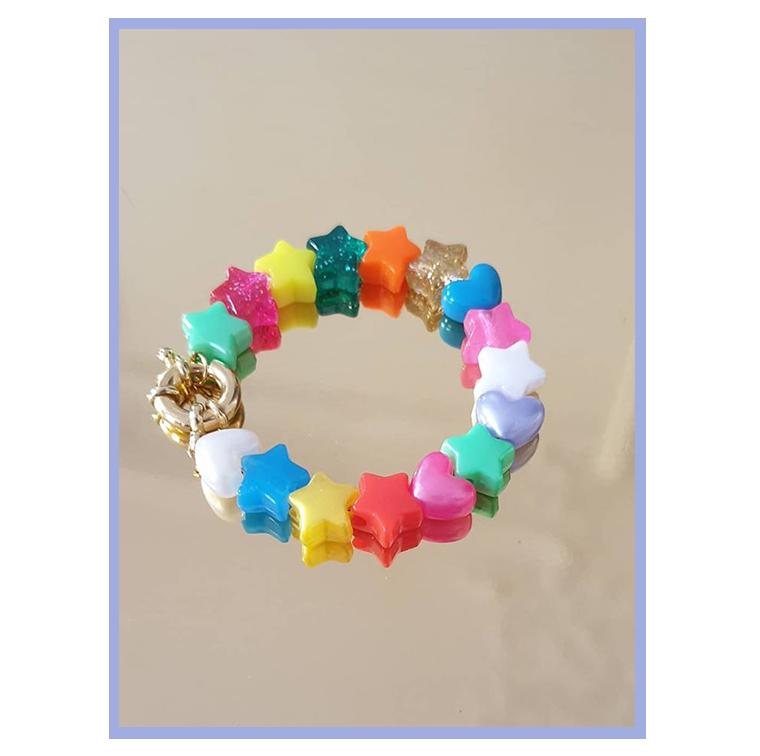 Bracelet à perles en forme d'étoiles et coeurs