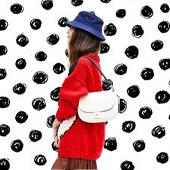 Un sac à main shoulder bag white is white avec son petit côté cool girl des 90's imaginé à Los Angeles par Clare V