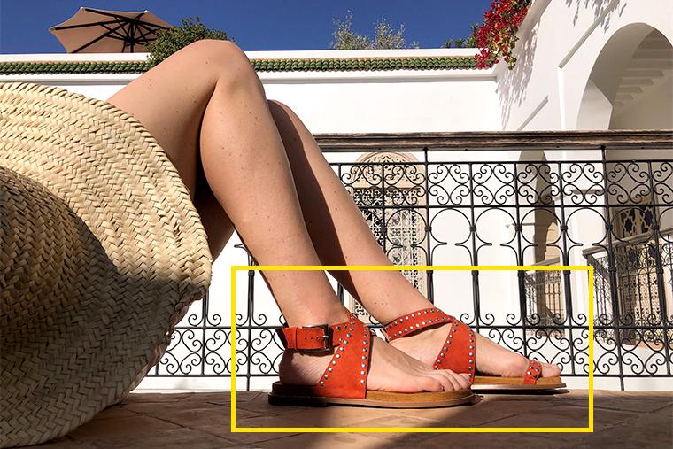 Sandales croisées à clous