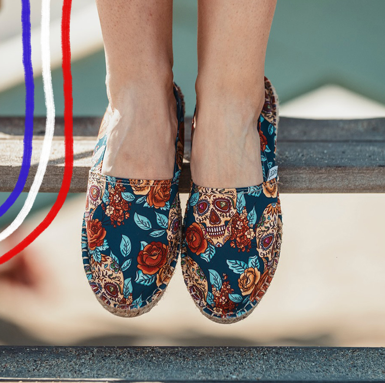 Skull and flowers patterned Espadrilles