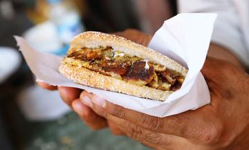 Un sandwich marocain à l'omelette
