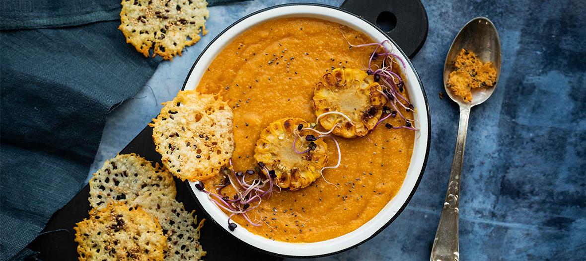 Recette soupe carottes, maïs, parmesan et graines de pavot