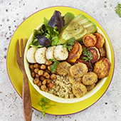 Recette buddha bowl banane, avocat, quinoa, patates douces et pois chiches