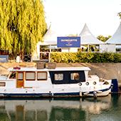 Bar et restaurant on a barge at Nogent-sur-Marne in France