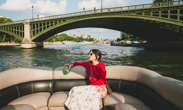 Louer un bateau à Paris sans avoir le permis bateau