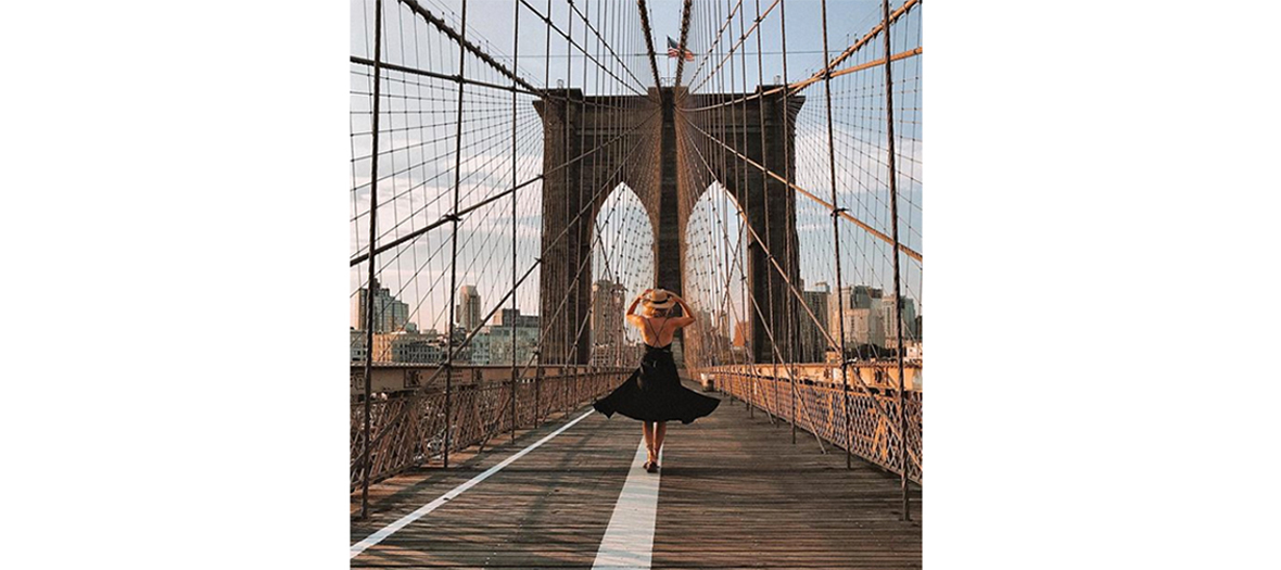 Photo de @journeyintolavillelumiere sur le Brooklyn Bridge