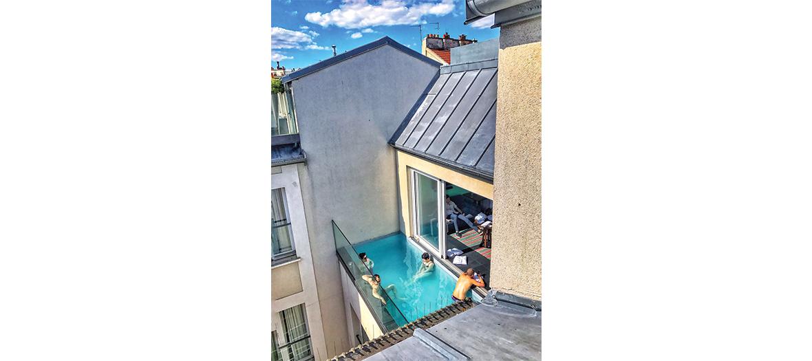 Piscine extérieure sur les toits de Paris