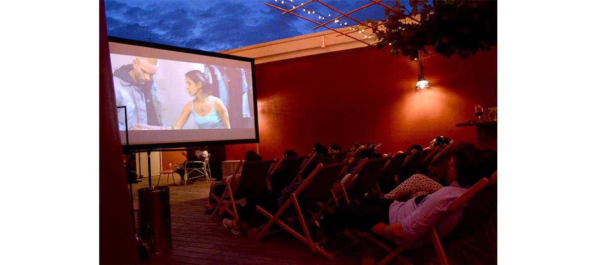 Cinéma en plein air sur le rooftop du Moulin Rouge