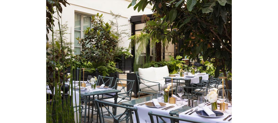 The terrace of the restaurant La Régalade du Faubourg chef Bruno Doucet