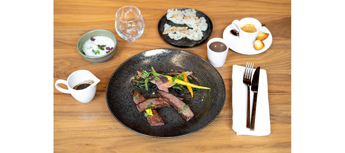 Topinambour en velouté foie gras et jus infusé au café