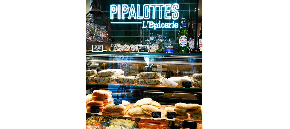 Delicatessen and sandwichs at the Pipalotte grocery in Paris
