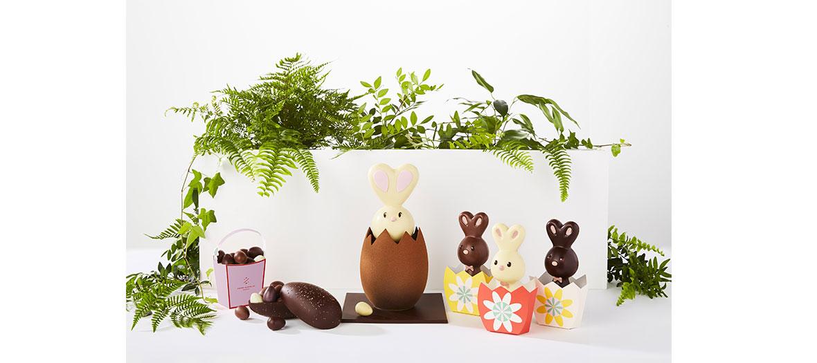 petits lapins noirs, laits ou blancs qui semblent sortis d'un champs de pâquerettes et un petit panier d'œufs pralinés pour parfaire l'atmosphère bucolique
