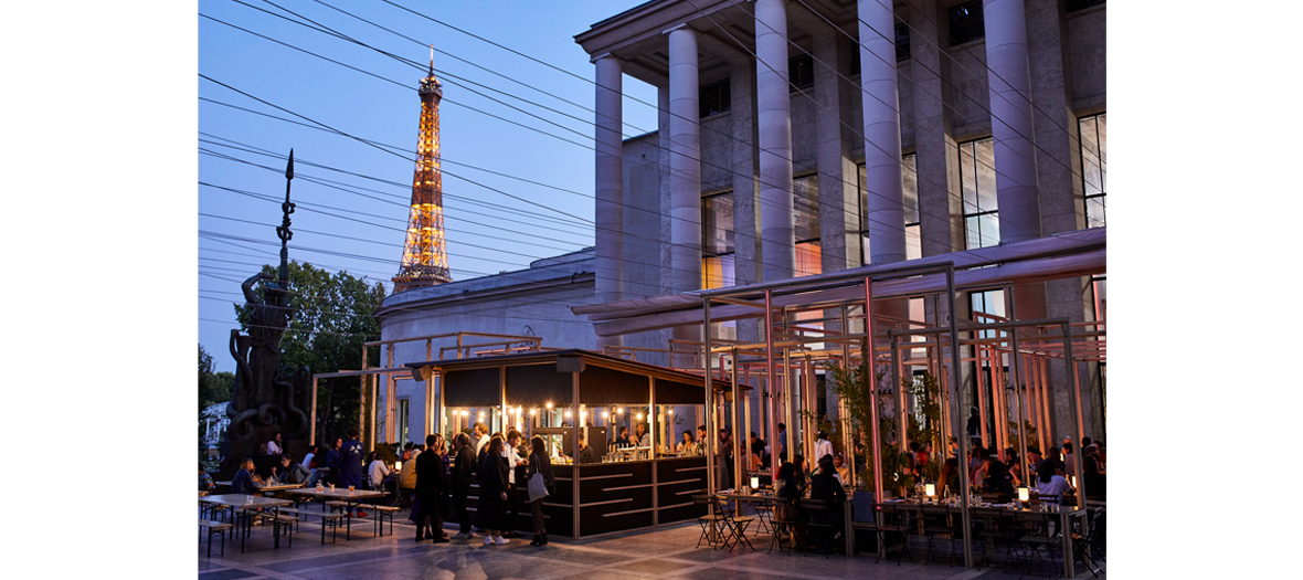 The Edo terrace at the Palais de Tokyo with vue view on Eiffel Tower.