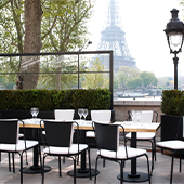 Decoration of the Monsieur Bleu Terrace with a view of the Effeil Tower