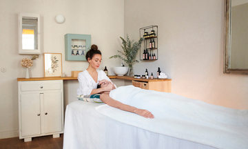 The new massage of stressed Parisiennes