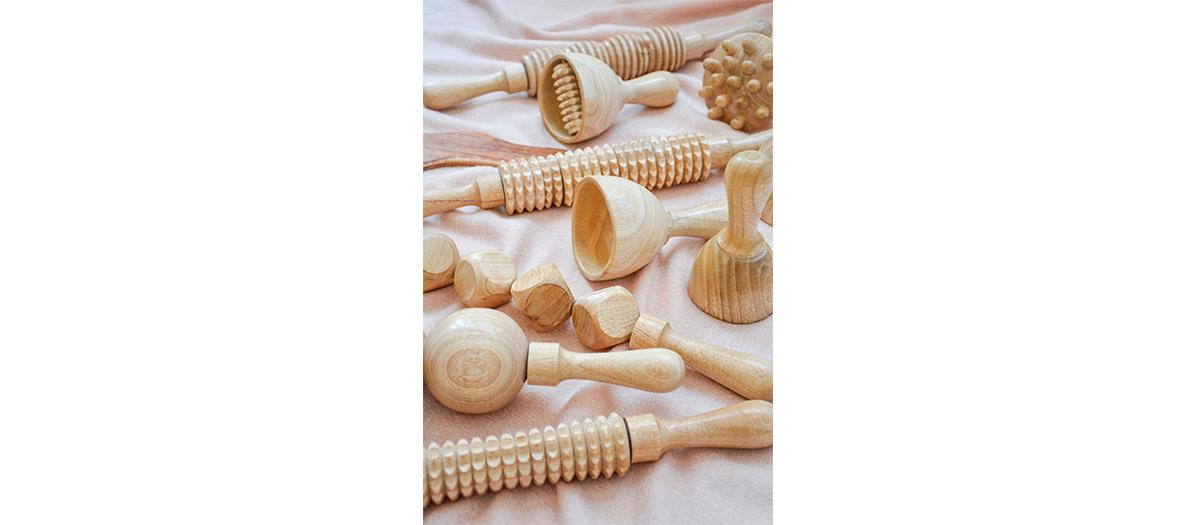 Cloche, picot, planche et rouleau en bois d'acajou instrument de massage Olfa Perbal
