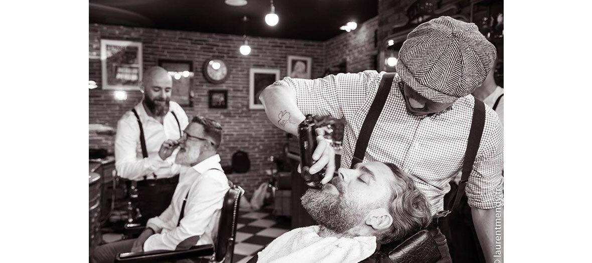 Rasage à l'ancienne, taille de barbe, shampoing-coupe-séchage chez le barbier Barbier Les Mauvais Garçons