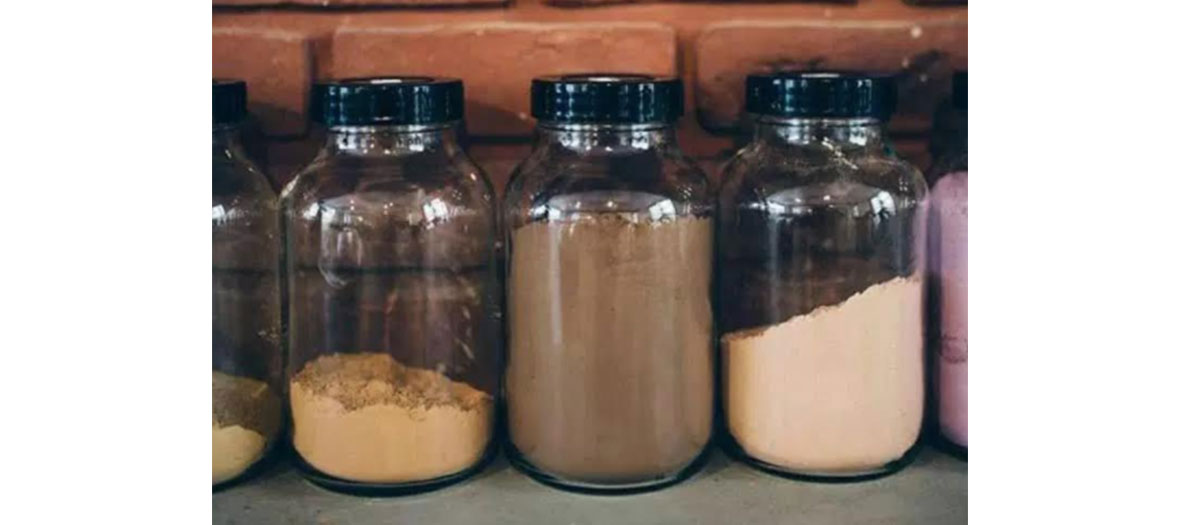 1 tube coloration + mini oxydant 25 €, 1 flacon Color Fresh semi-permanent 40 €, 1 pot de coloration végétale 50g 45 €