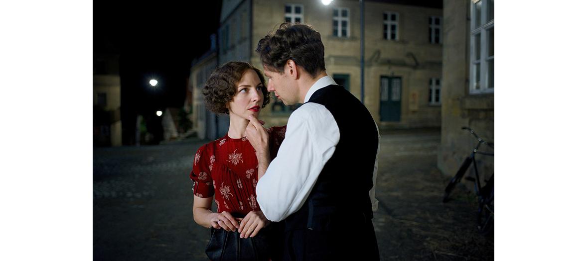 Clotilde Hesme et Jérémie Rénier acteurs de la serie Amour Fou