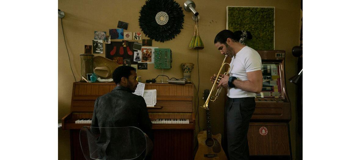 André Holland et Tahar Rahim dans la série The Eddy