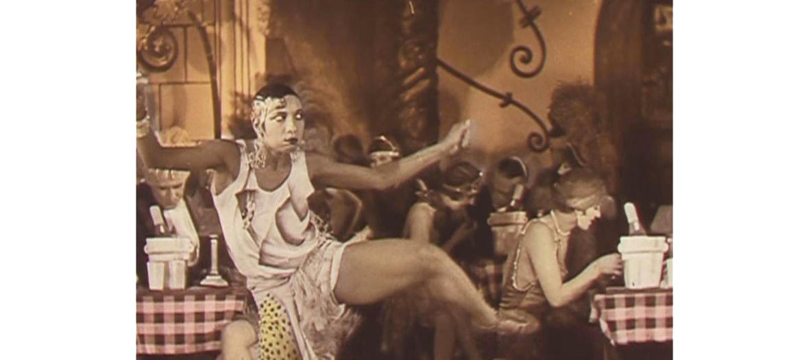 josephine baker dancing during annees folles in Paris
