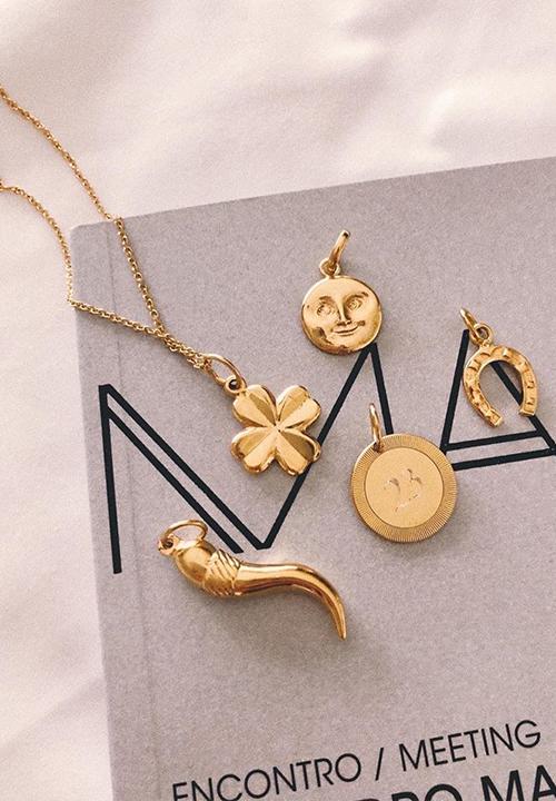 Pendentifs porte-bonheur, Aroz Jewelry