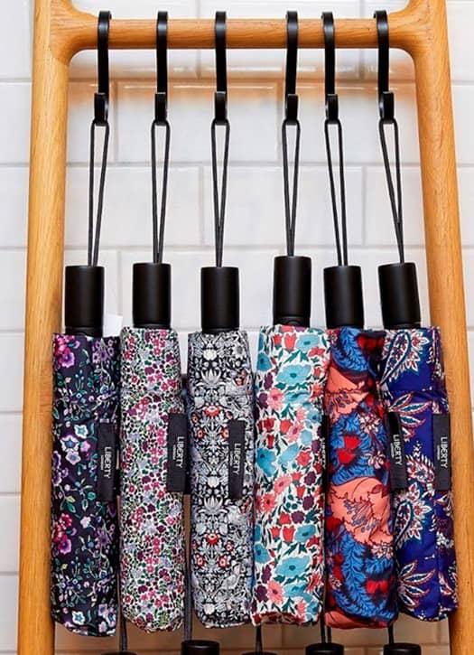 Parapluies à imprimé fleuri, Liberty London,