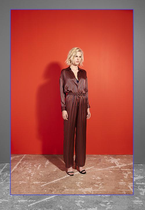 pyjama en satin de soie à rayure composé de Chemisier manches longues et  pantalon du label Livy