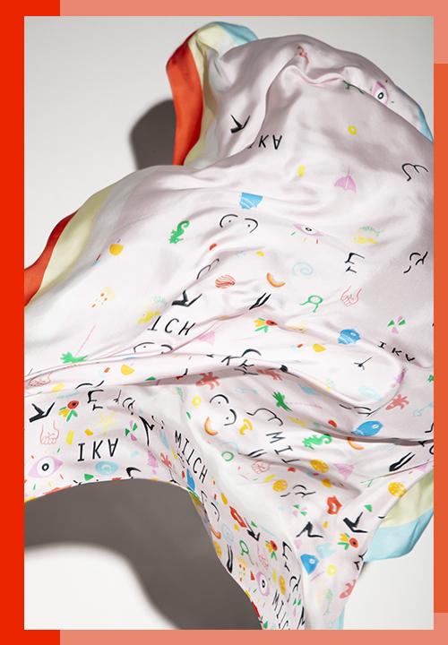 Le carré Nude de soie imprimé animaux, graphiques et abstraits du label IKA Paris