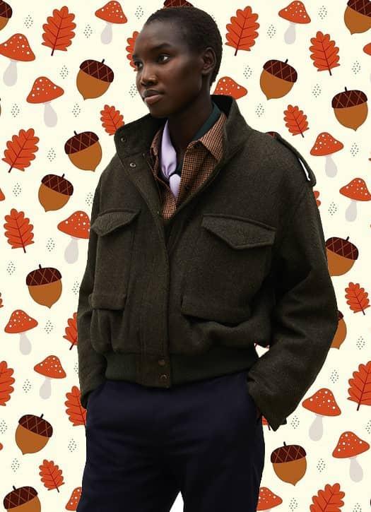 Blouson aviateur en tweed de laine chevrons , chemise d'homme en laine fine, pantalon chino bleu nuit de chez Comptoire des Cotonniers