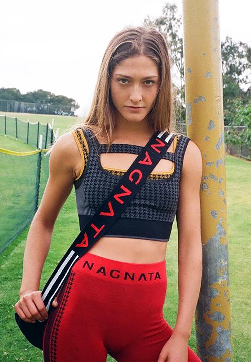 Brassière à maintien Lululemon, legging Nagnata, tapis de yoga en gomme écologique YUJ pour des Sceances de Yoga ou Pilates