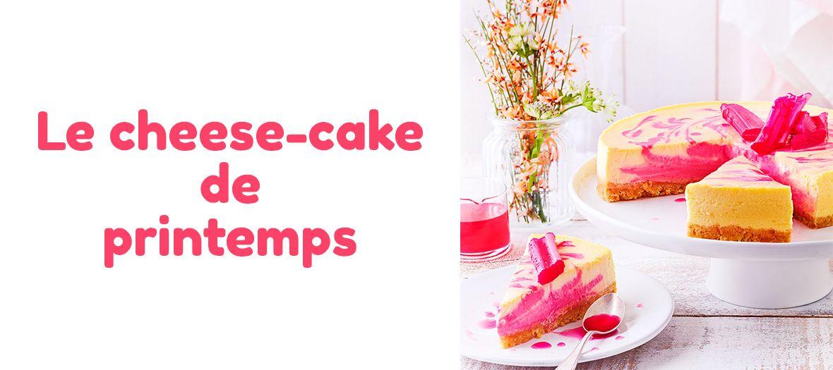 Cheese Cake à la Rhubarbe avec biscuits sablés, beurre, fromage frais, sucre, gousse de vanille, citron et crème liquide entière