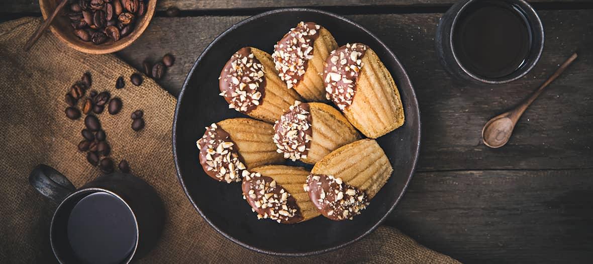 Ces madeleines sont parfaites pour le goûter avec du bon café et de la pâte à tartiner bio.
