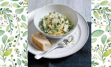 Haricots verts, petits pois, asperges : la nature nous offre plein de nouvelles possibilités. On passe au printemps avec une recette de pasta verde.