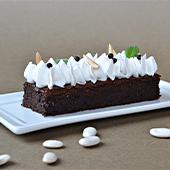 Brownie avec haricots cuits au naturel, sirop d'érable, huile de tournesol, cacao amer, poudre d'amandes, chocolat noir