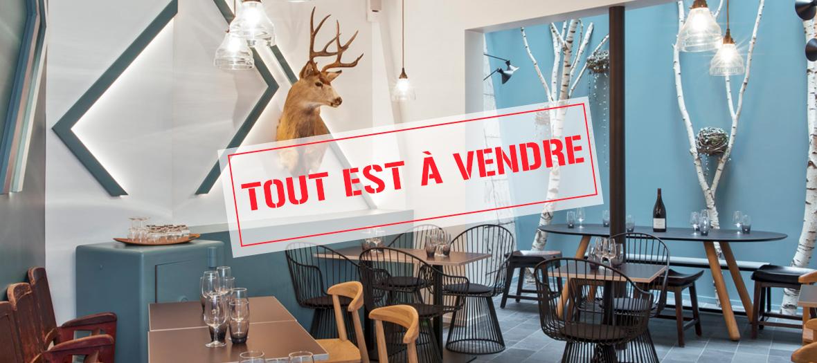 Déco du restaurant et le materiels de cuisine à vendre lors de la Brocante de Jeanne B