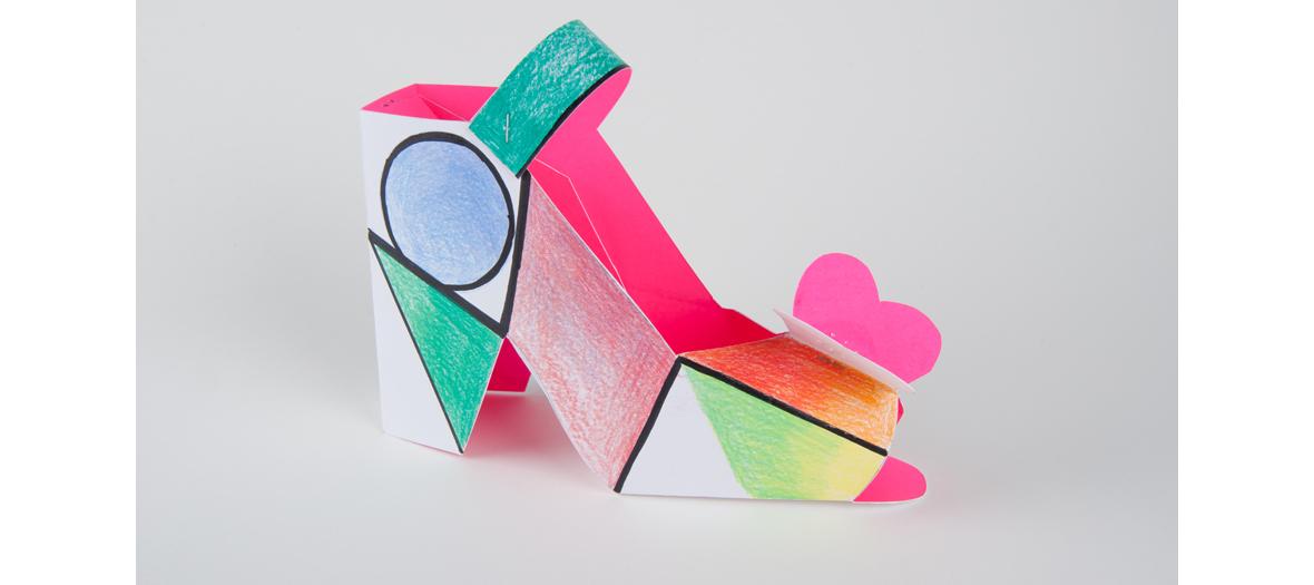 atelier créatif de décoration des soulier de papier au Musée des Arts Déco