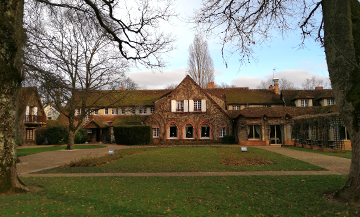 A 5 star country house to nestle this Winter