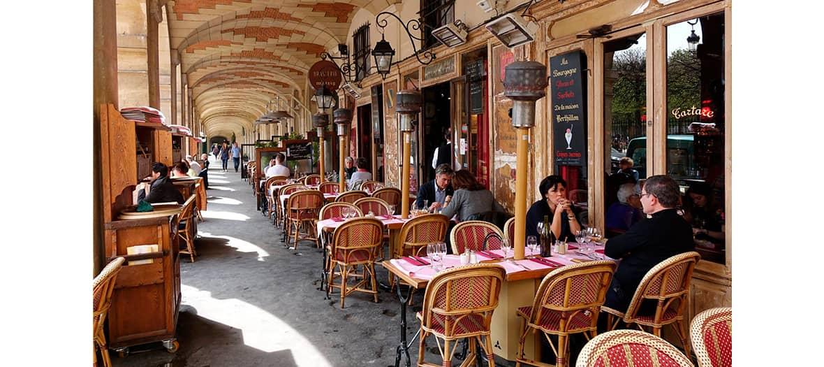 La terrasse de Ma Bourgogne Place des Vosges