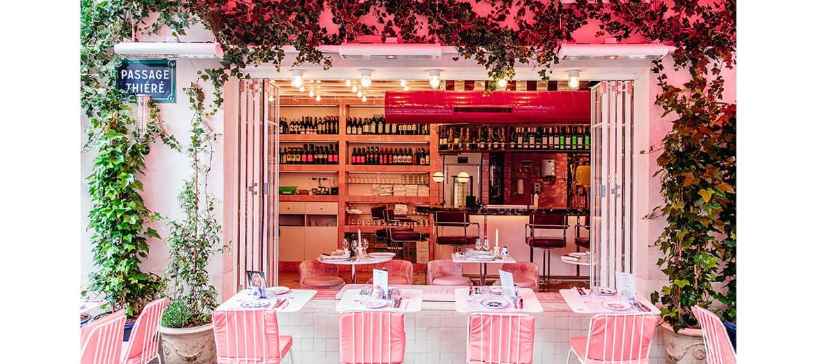 La terrasse rose du resto Giorgio