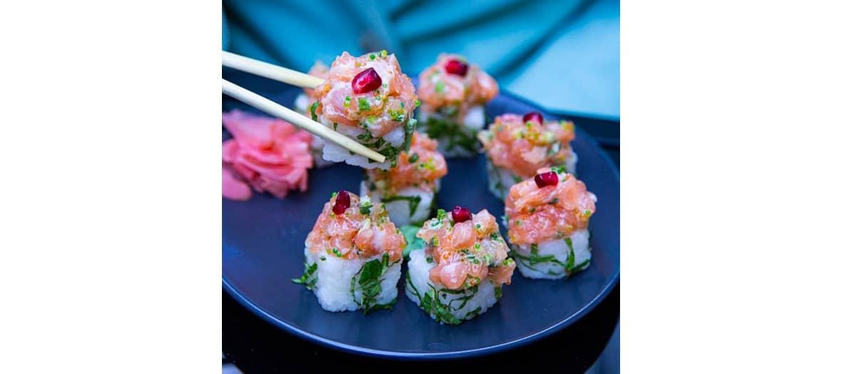 Les sushis Circle Salmon Spicy chez Ponzu à Paris