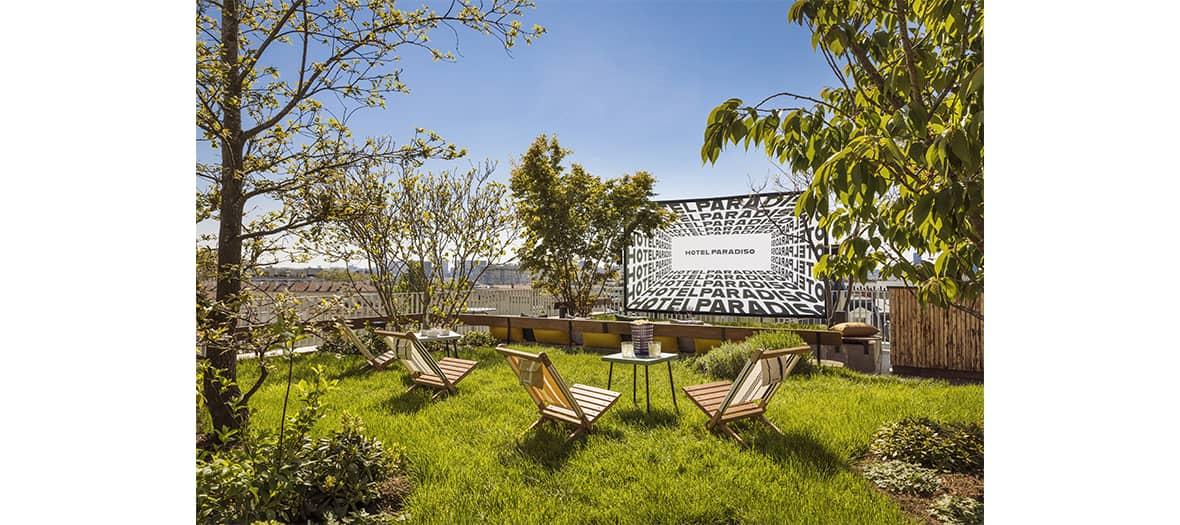 Le rooftop de l'hôtel Paradiso à Paris