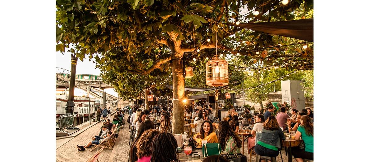 stand, concert, cabaret et barbecue à la démesure sur seine