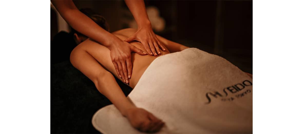 Massage et soins au spa Shiseido dans les jardins du Faubourg