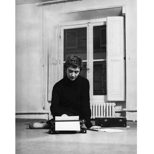 Françoise Sagan à Saint-Germain des Prés à Paris