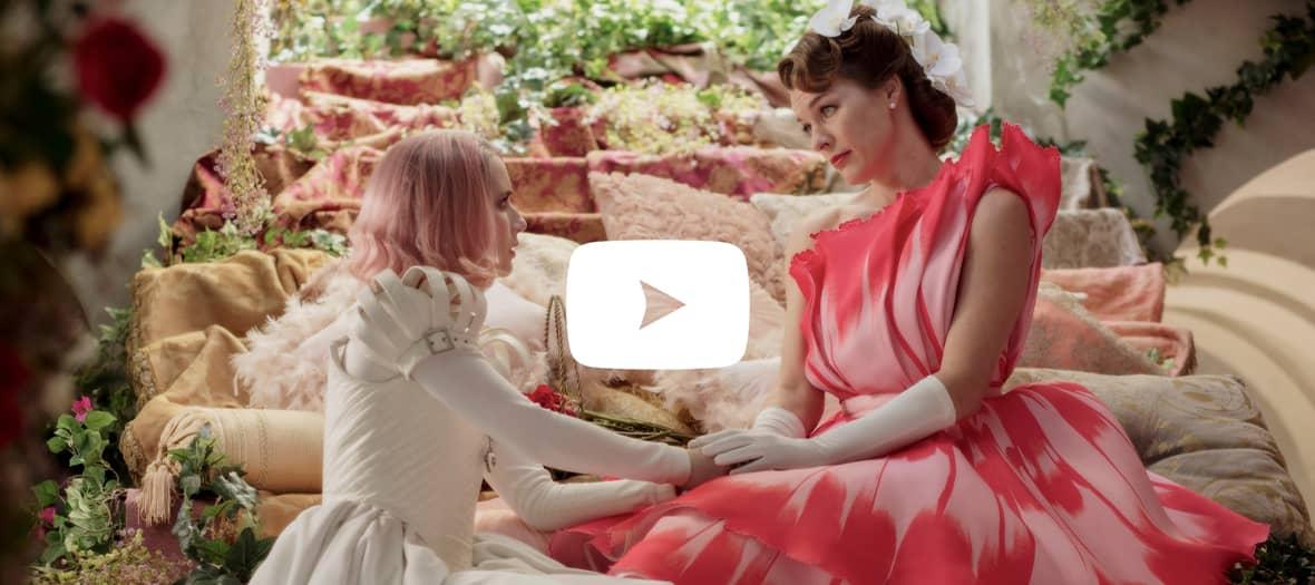 Extrait de Paradise Hills avec Emma Roberts et Milla Jovovich