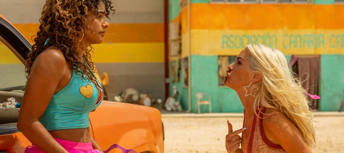 Sky Rojo avec Verónica Sánchez, Yanni Prado